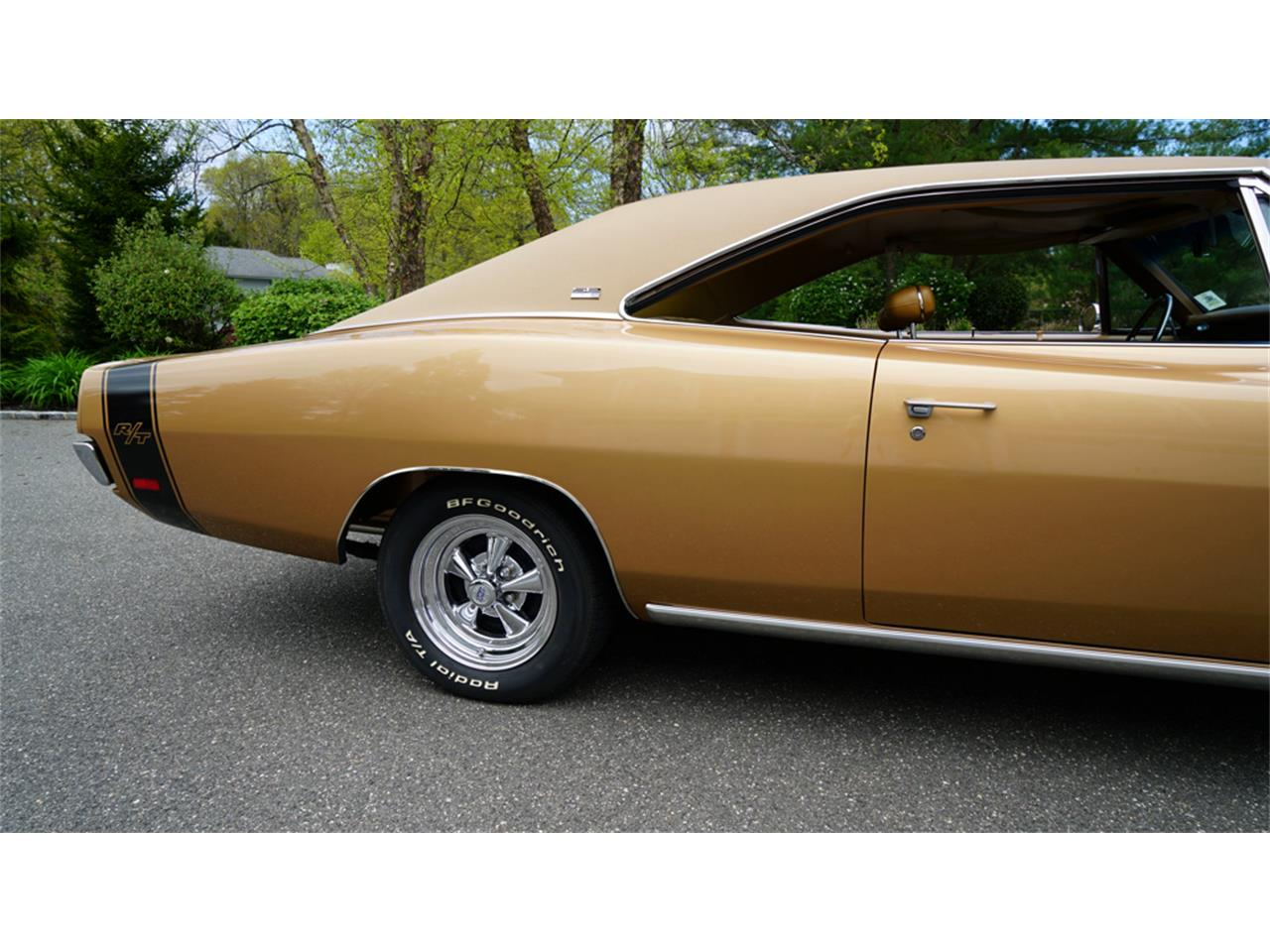 Large Picture of Classic '69 Dodge Charger R/T located in Old Bethpage New York - Q1UM