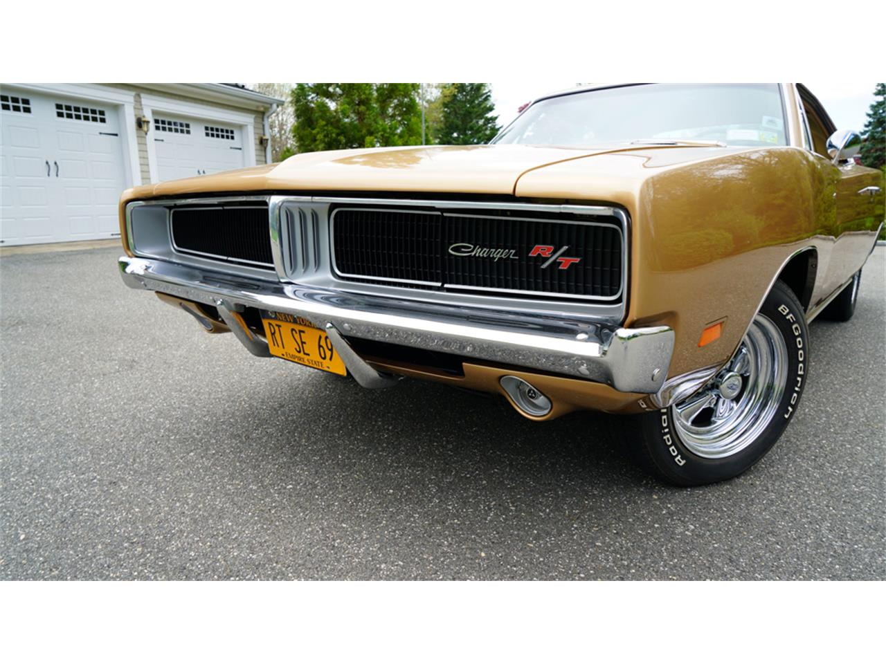 Large Picture of Classic 1969 Charger R/T located in New York - $83,900.00 Offered by Fiore Motor Classics - Q1UM