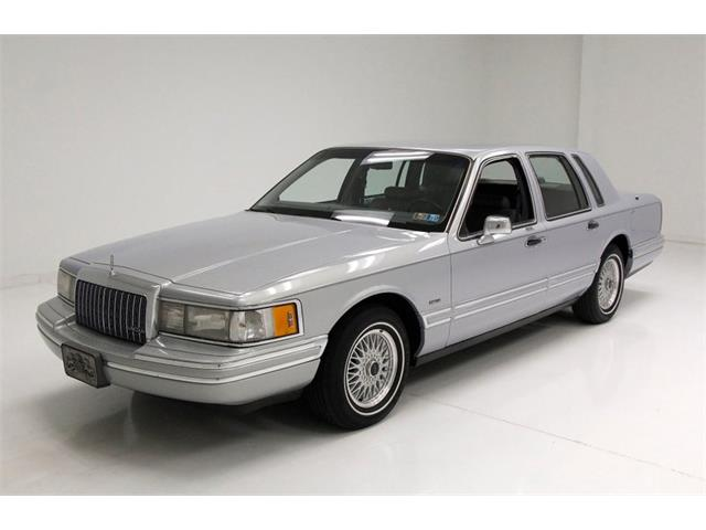 Picture of '93 Lincoln Town Car located in Pennsylvania - $8,500.00 Offered by  - Q1V4