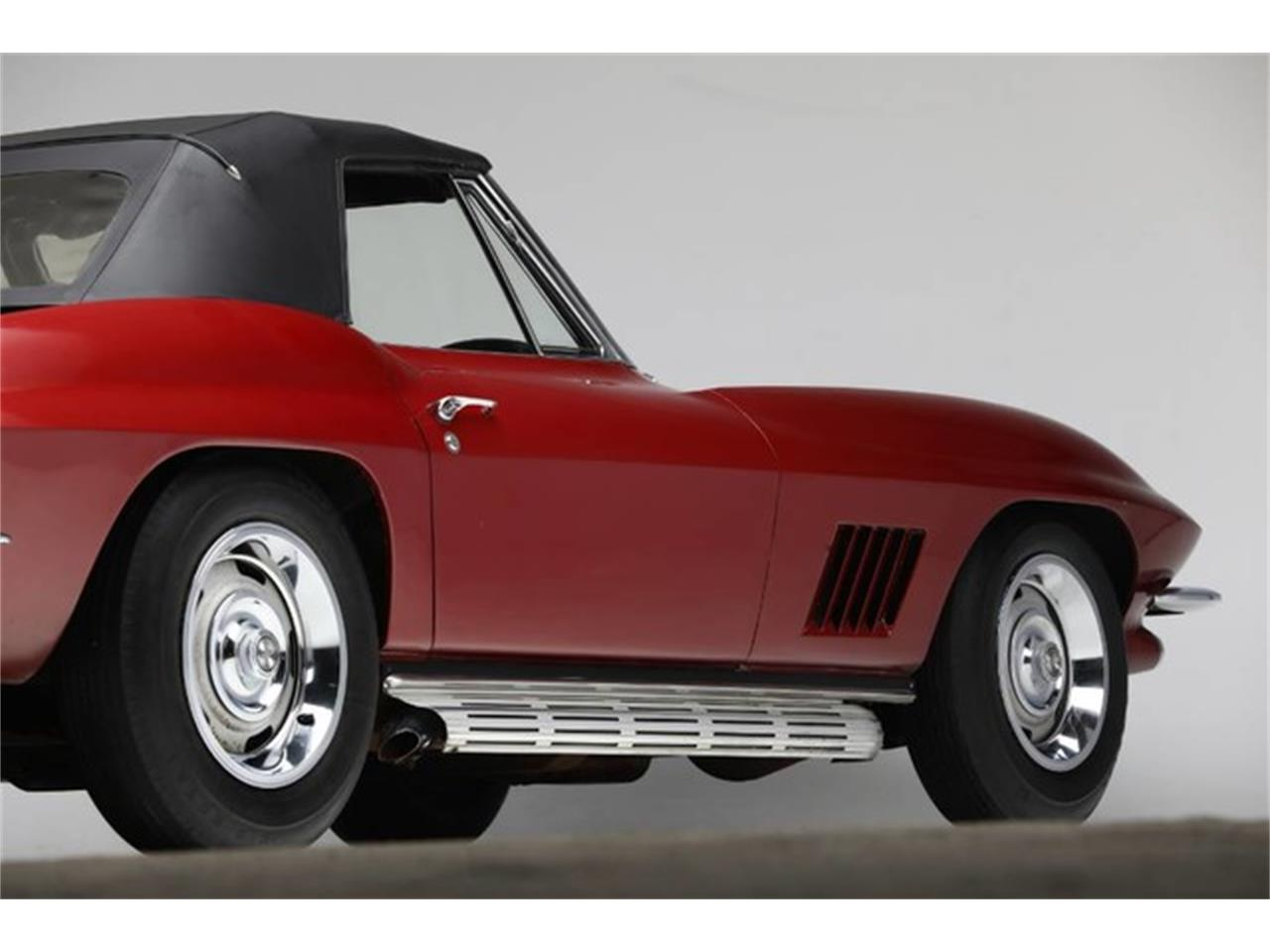 Large Picture of Classic '67 Corvette located in New York Auction Vehicle Offered by Prestige Motor Car Co. - Q1X7