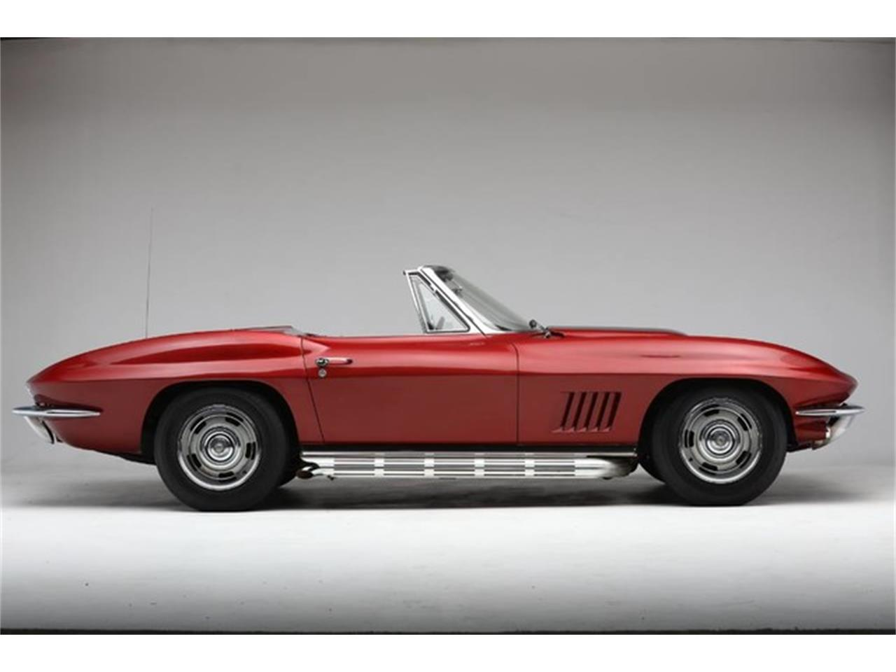 Large Picture of Classic '67 Corvette located in New York Offered by Prestige Motor Car Co. - Q1X7