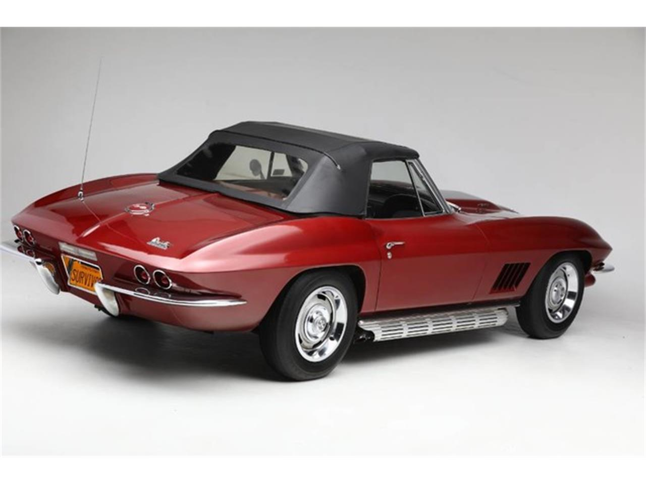 Large Picture of '67 Corvette located in New York Auction Vehicle Offered by Prestige Motor Car Co. - Q1X7