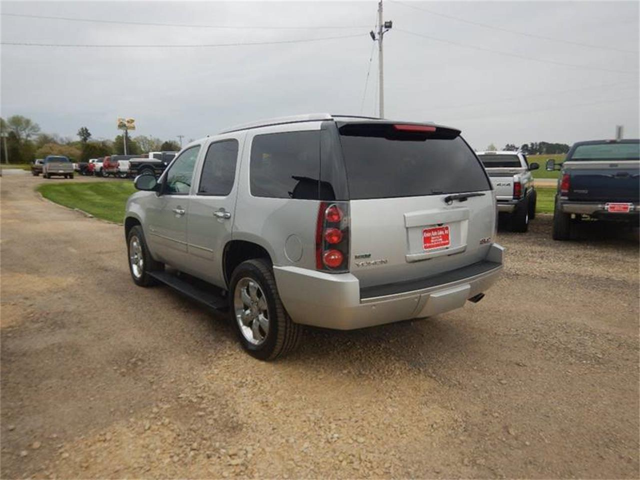 Large Picture of 2011 Yukon located in Iowa - Q201