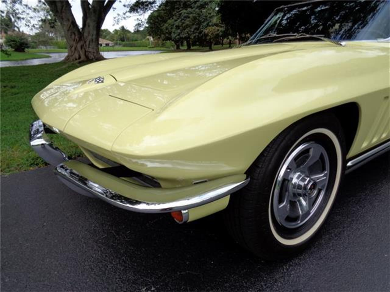 Large Picture of 1965 Corvette Offered by a Private Seller - Q216