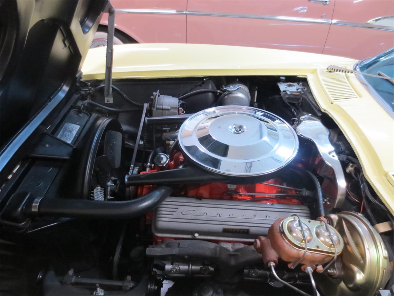 Large Picture of '65 Corvette - Q216