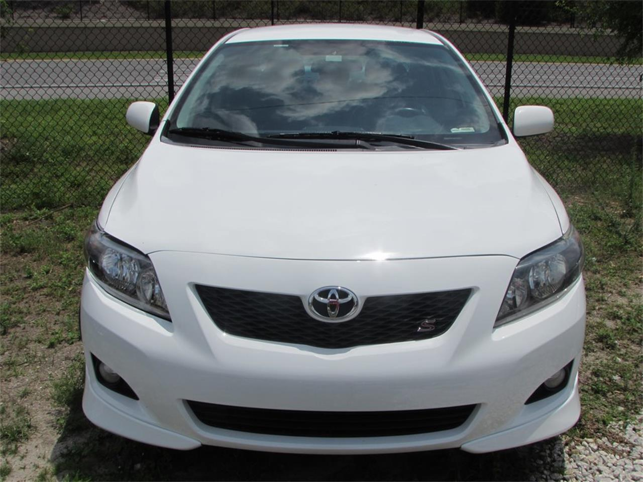 Large Picture of '09 Corolla - $7,700.00 Offered by Auto Express - Q282