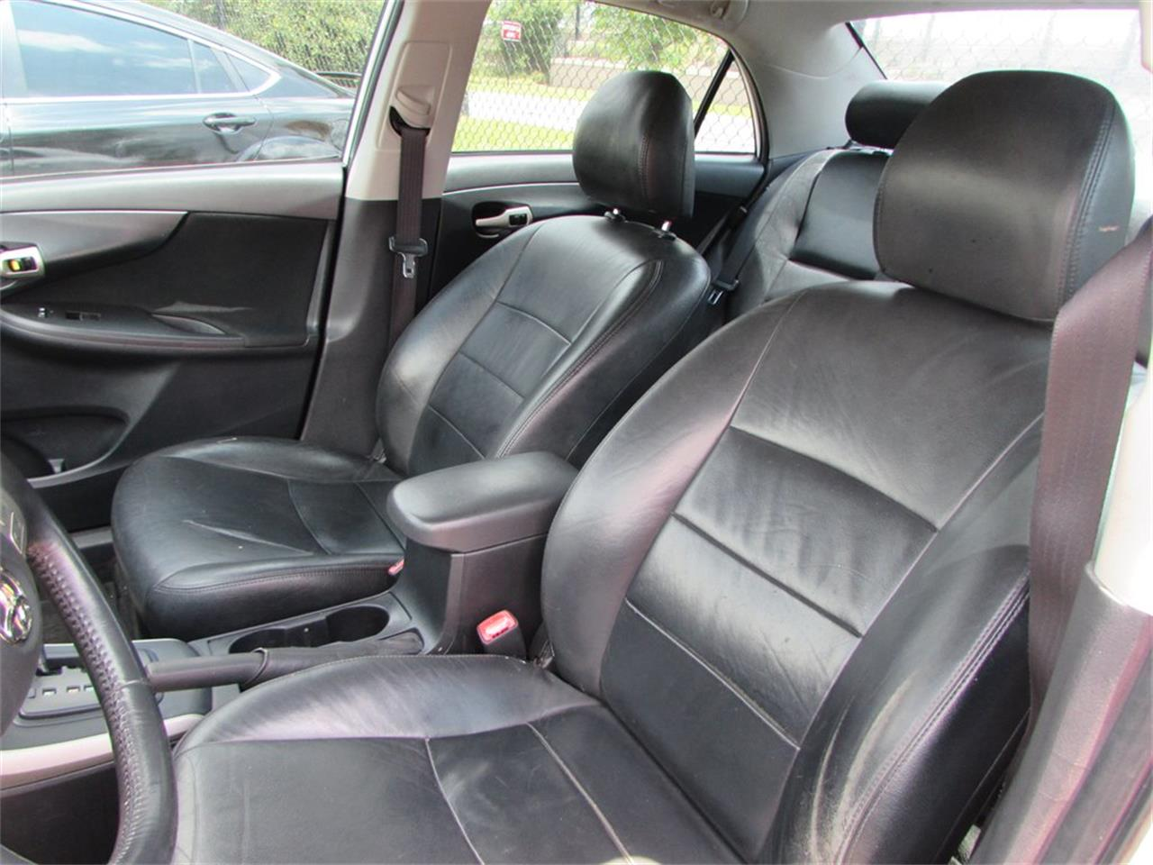 Large Picture of '09 Toyota Corolla located in Orlando Florida - Q282