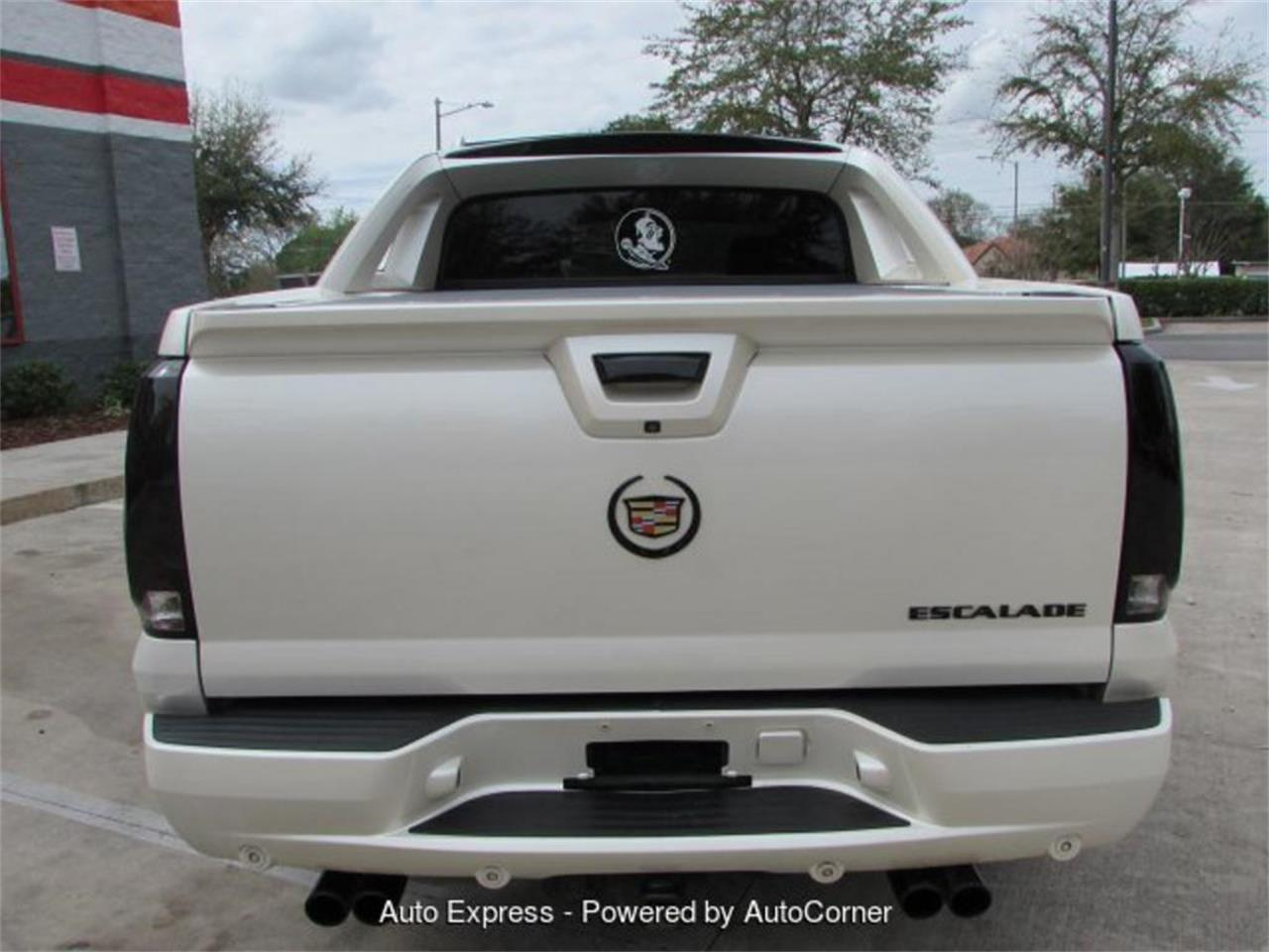 Large Picture of '09 Escalade - Q283
