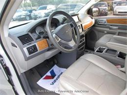 Picture of '10 Town & Country - Q28O