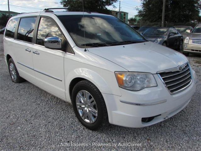 Picture of 2010 Chrysler Town & Country located in Orlando Florida Offered by  - Q28O