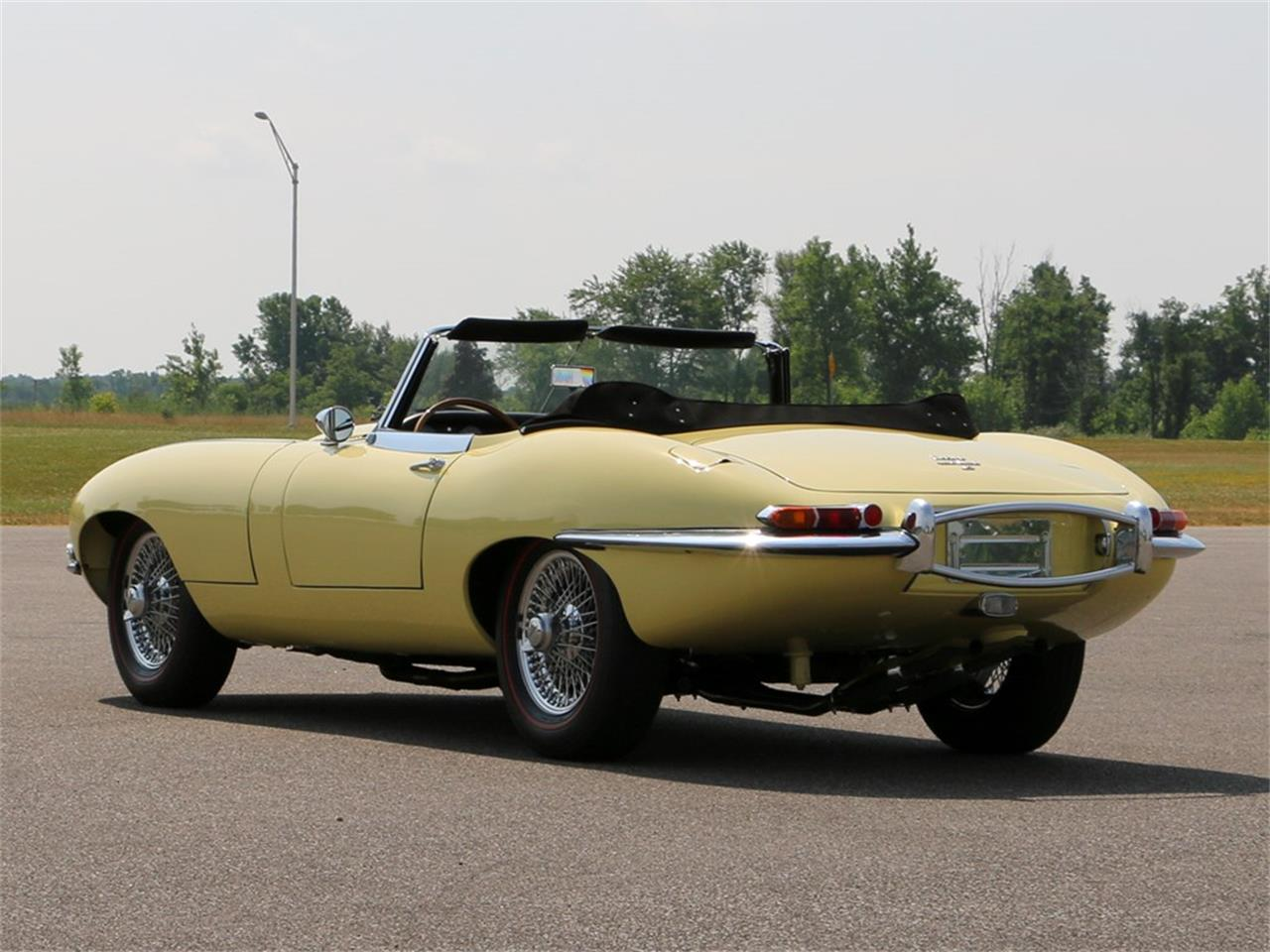 Large Picture of Classic 1967 Jaguar E-Type located in Auburn Indiana Auction Vehicle Offered by RM Sotheby's - PY3P