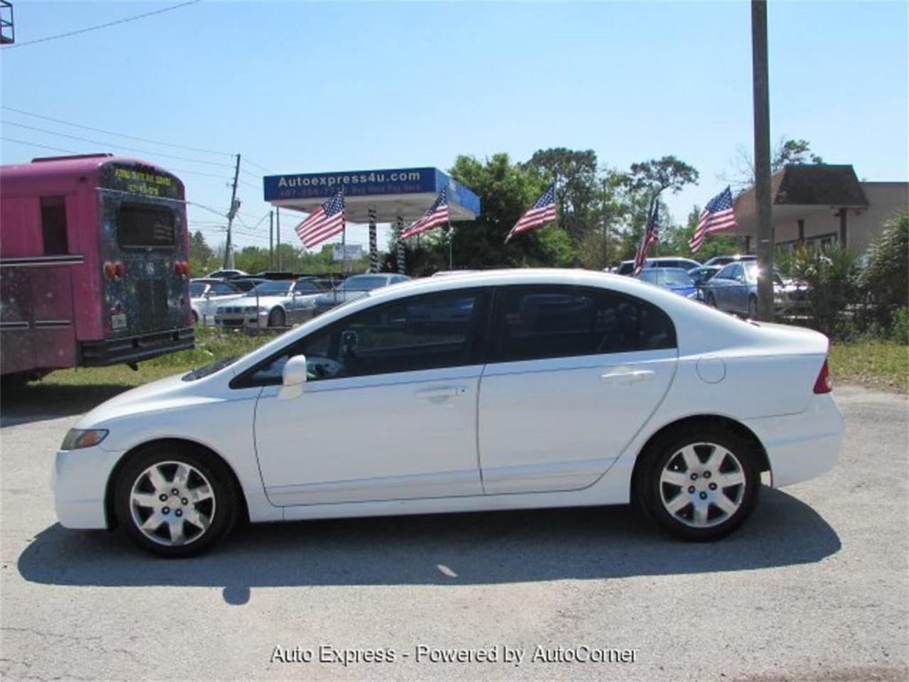 Large Picture of '10 Honda Civic located in Orlando Florida - Q2AK