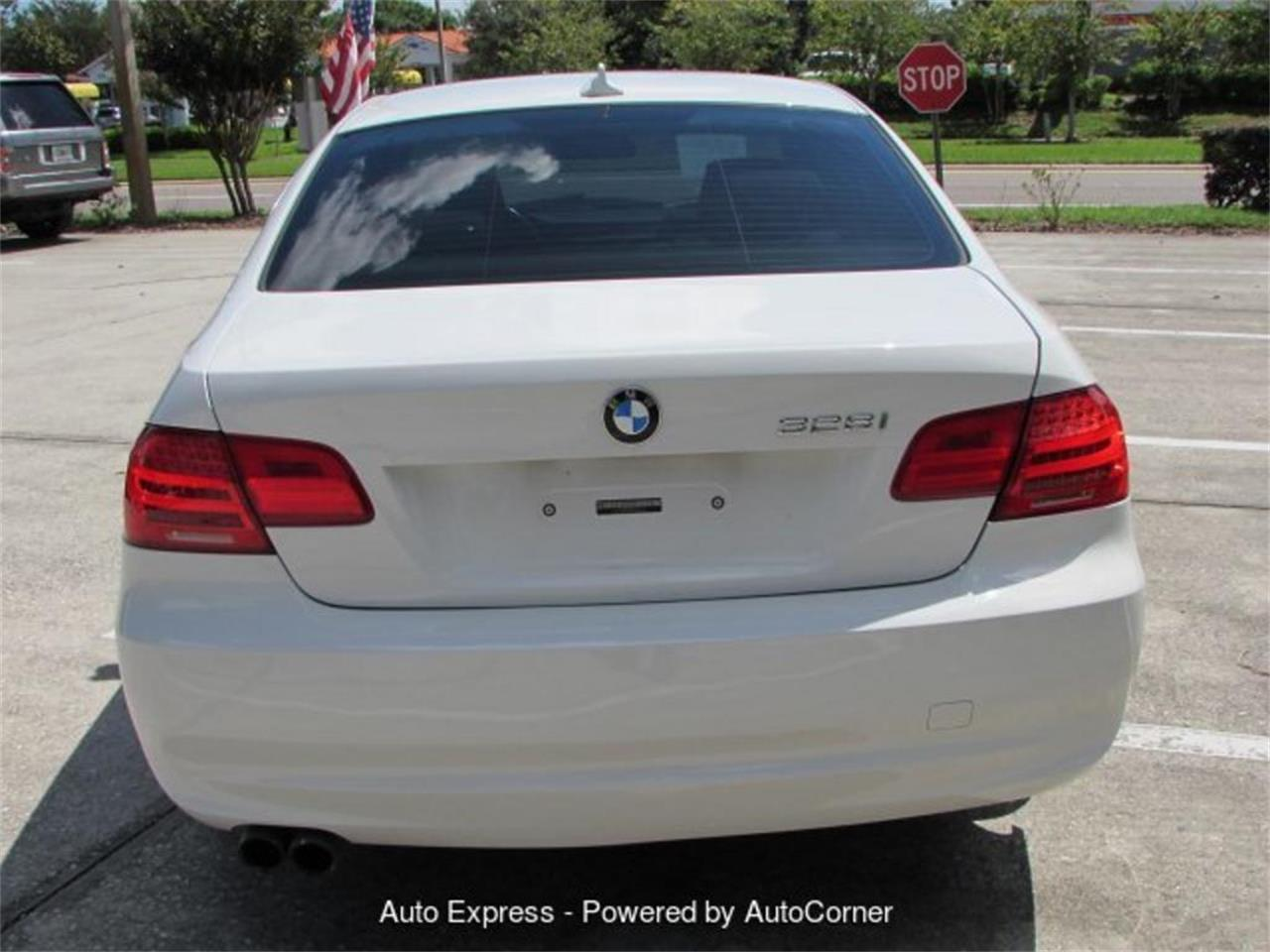 Large Picture of 2011 BMW 3 Series - Q2AO