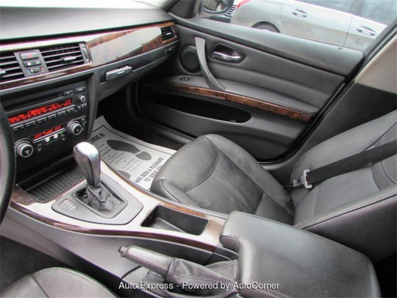 Large Picture of '11 3 Series - Q2BT