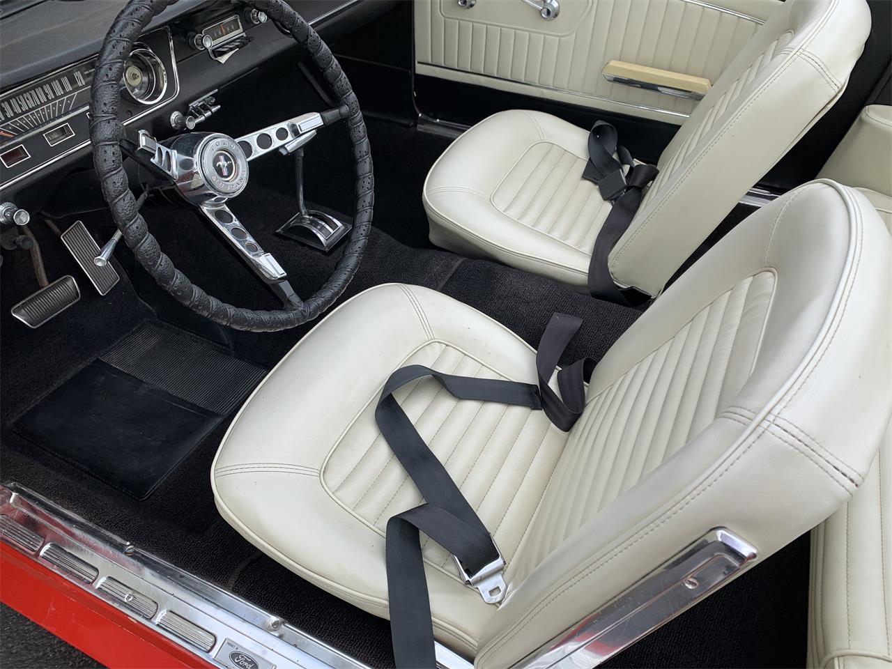 Large Picture of Classic 1965 Ford Mustang located in Illinois - Q2DD