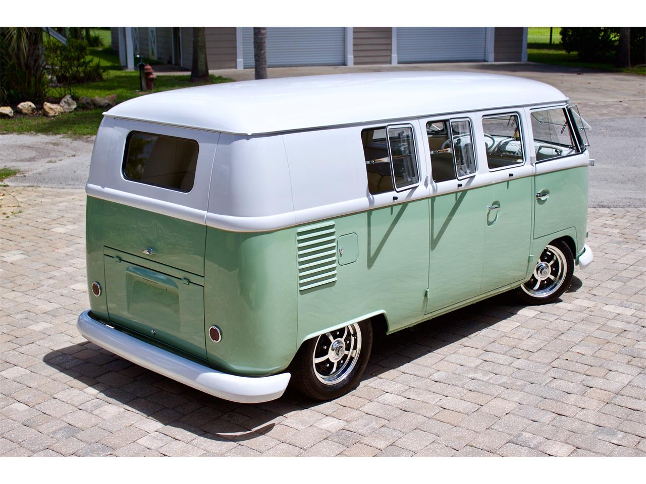 Large Picture of Classic 1962 Volkswagen Bus located in Florida - Q2DH