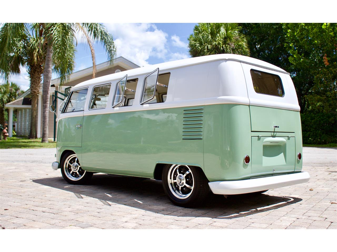 Large Picture of 1962 Bus - $59,950.00 - Q2DH