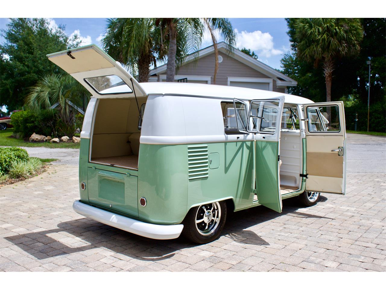Large Picture of '62 Volkswagen Bus Offered by FSD Hot Rod Ranch at Royal Auto & Truck Sales - Q2DH