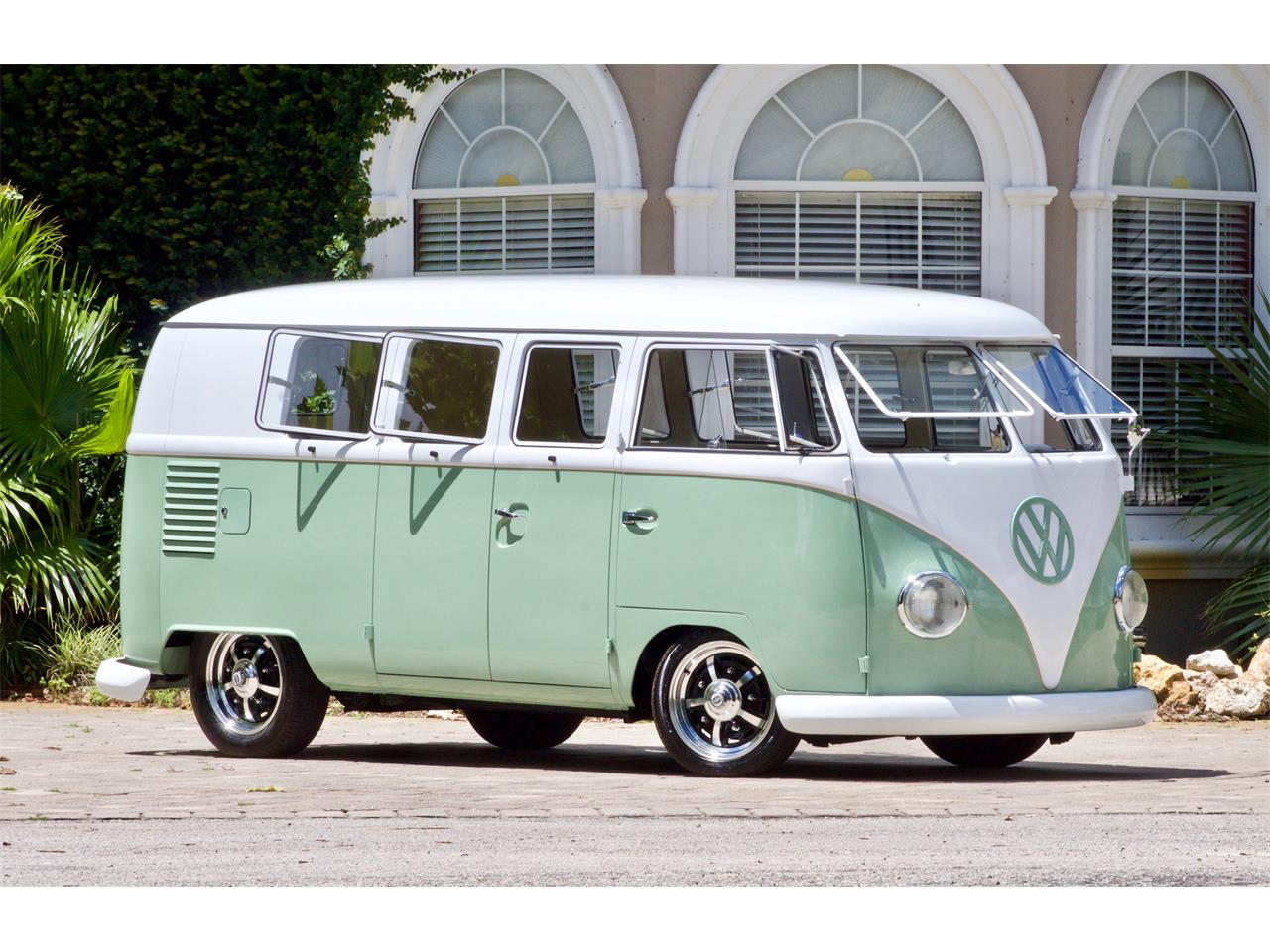 Large Picture of Classic '62 Bus located in Florida - $59,950.00 - Q2DH