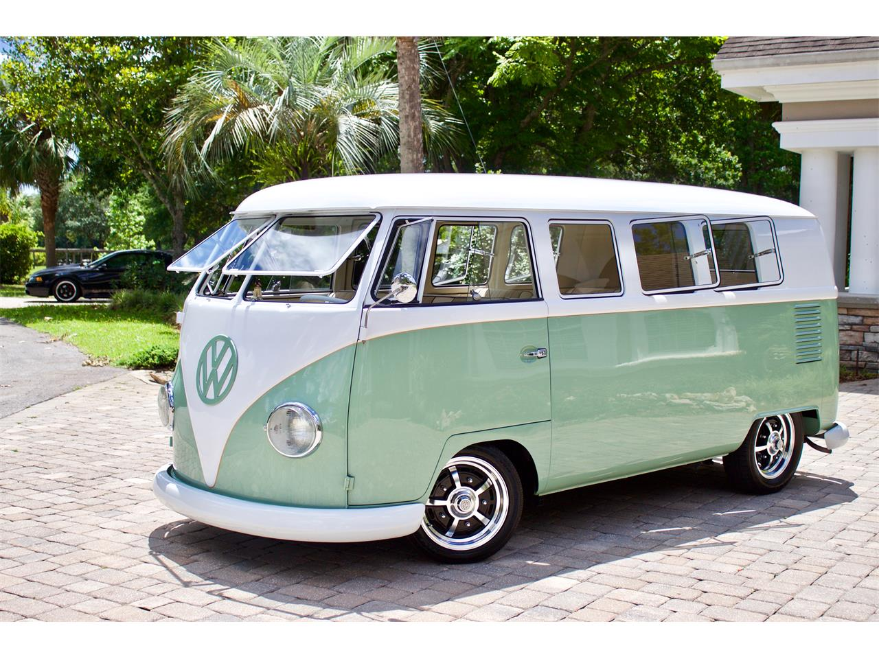 Large Picture of '62 Volkswagen Bus located in Florida Offered by FSD Hot Rod Ranch at Royal Auto & Truck Sales - Q2DH