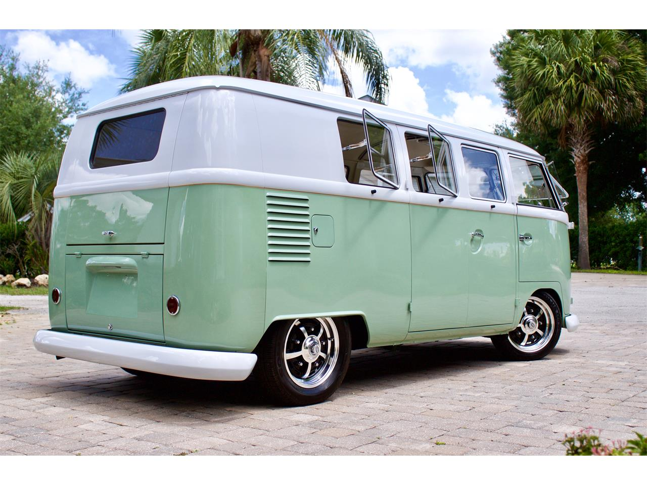 Large Picture of 1962 Bus located in Florida - $59,950.00 Offered by FSD Hot Rod Ranch at Royal Auto & Truck Sales - Q2DH