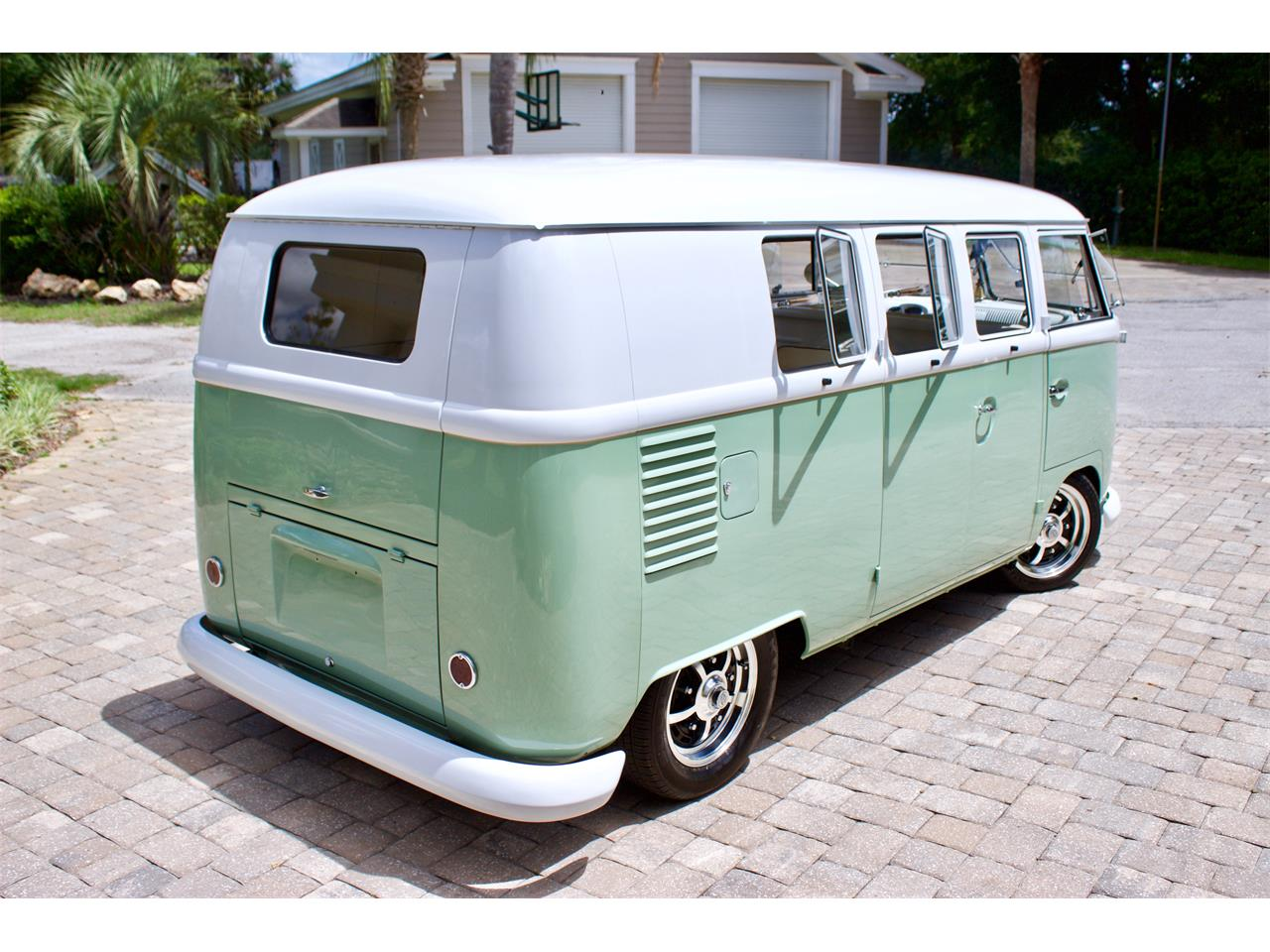 Large Picture of '62 Volkswagen Bus located in Florida - Q2DH