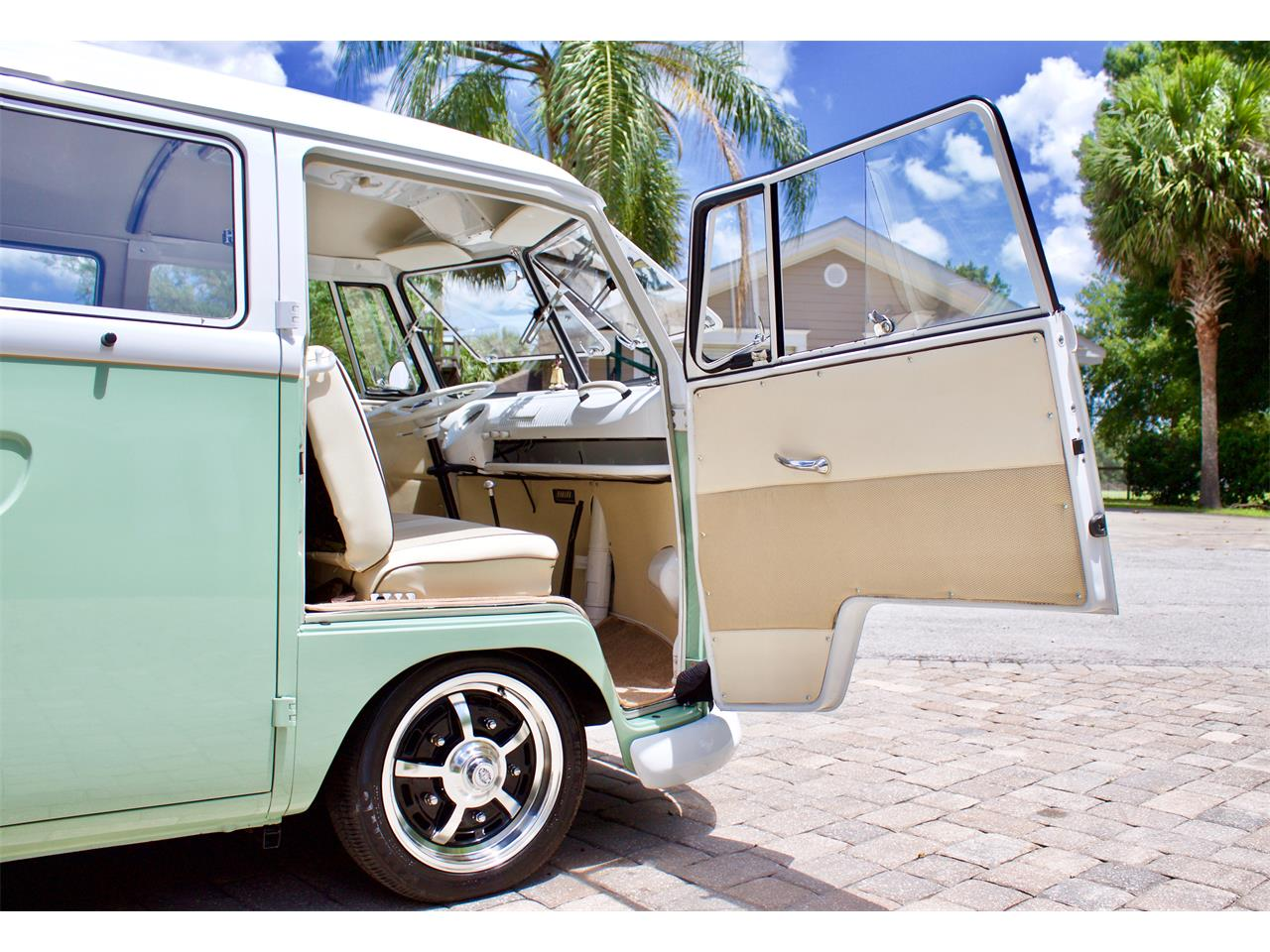 Large Picture of '62 Volkswagen Bus located in eustis Florida - $59,950.00 Offered by FSD Hot Rod Ranch at Royal Auto & Truck Sales - Q2DH