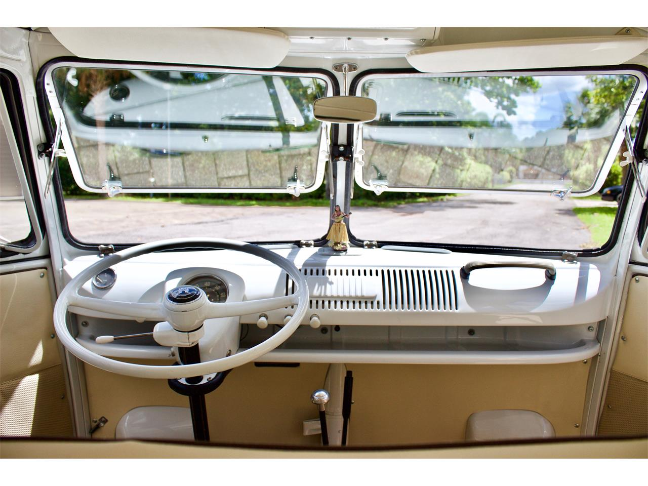 Large Picture of Classic '62 Volkswagen Bus - Q2DH