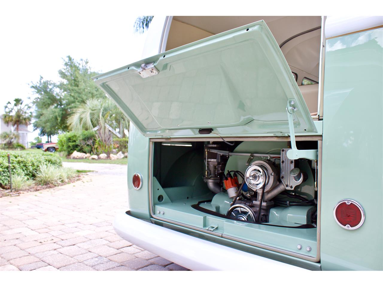 Large Picture of Classic '62 Volkswagen Bus located in Florida - Q2DH
