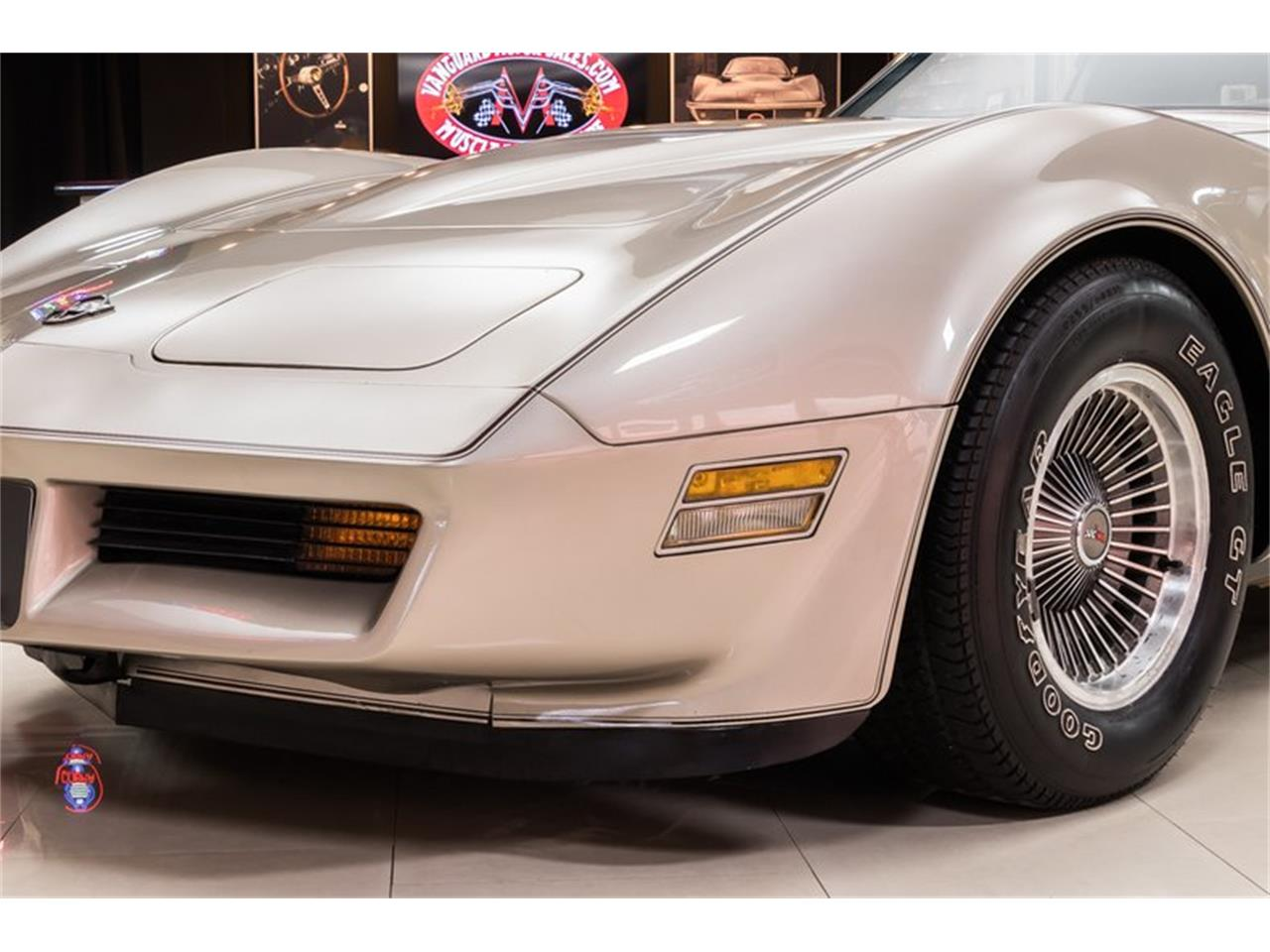Large Picture of '82 Corvette - Q2EA