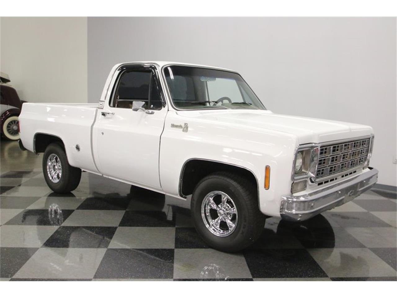 Large Picture of '77 C10 located in Tennessee - Q2EP