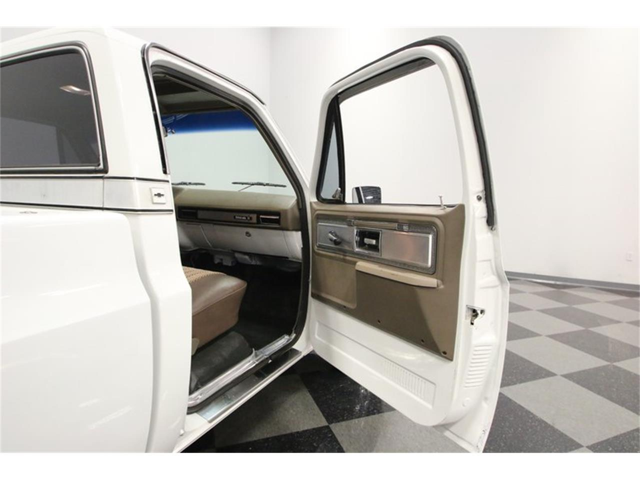 Large Picture of '77 C10 located in Tennessee Offered by Streetside Classics - Nashville - Q2EP
