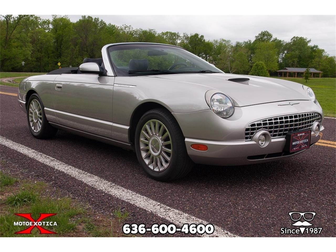 Large Picture of '05 Ford Thunderbird located in St. Louis Missouri - Q2FN