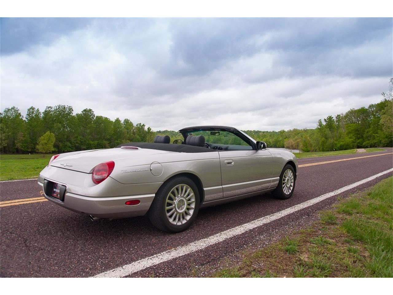 Large Picture of '05 Thunderbird Offered by MotoeXotica Classic Cars - Q2FN