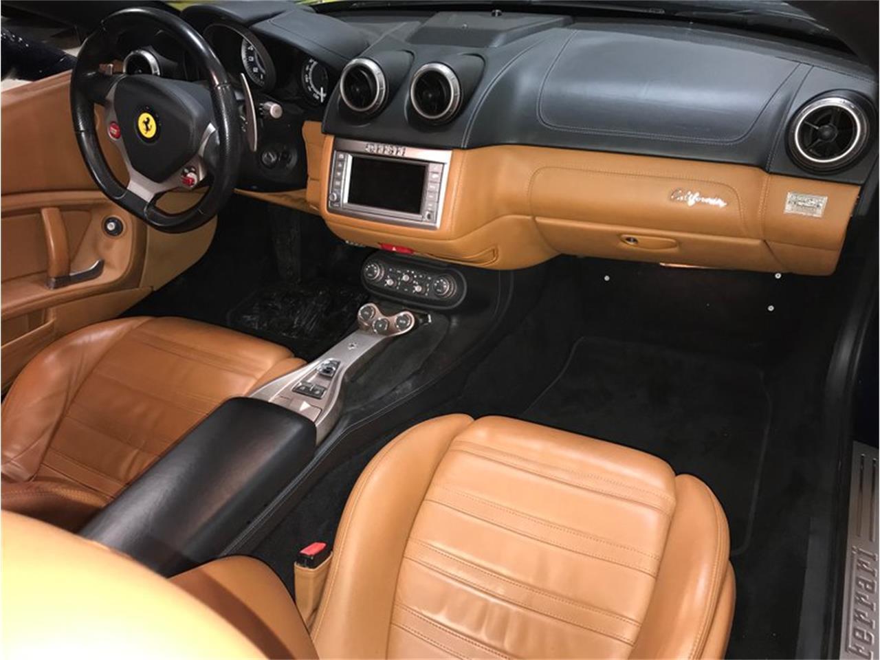 Large Picture of 2011 Ferrari California Auction Vehicle - Q2G9