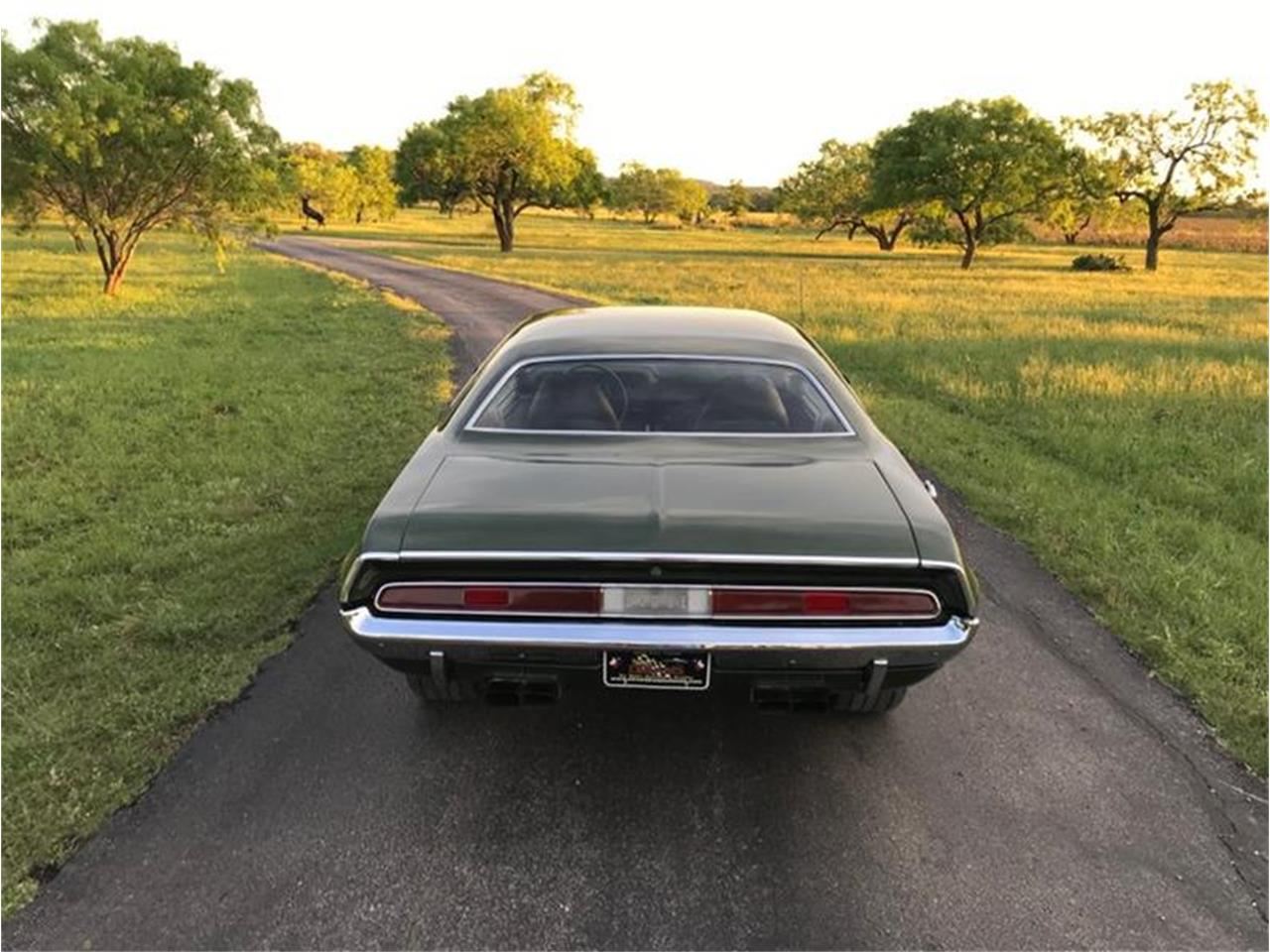 Large Picture of '70 Challenger - Q2HD