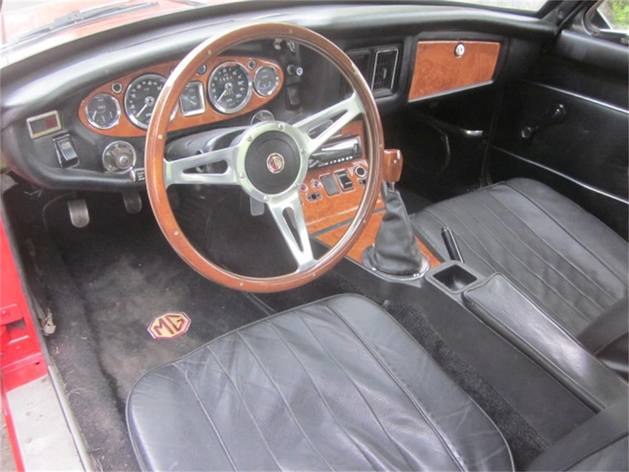 Large Picture of '74 MGB GT - Q2JZ