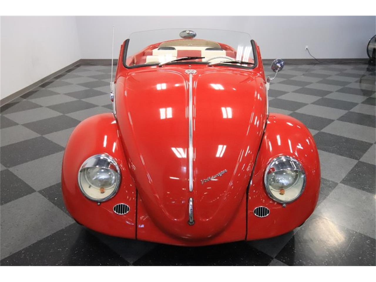 Large Picture of 1965 Volkswagen Beetle located in Mesa Arizona Offered by Streetside Classics - Phoenix - Q2L7