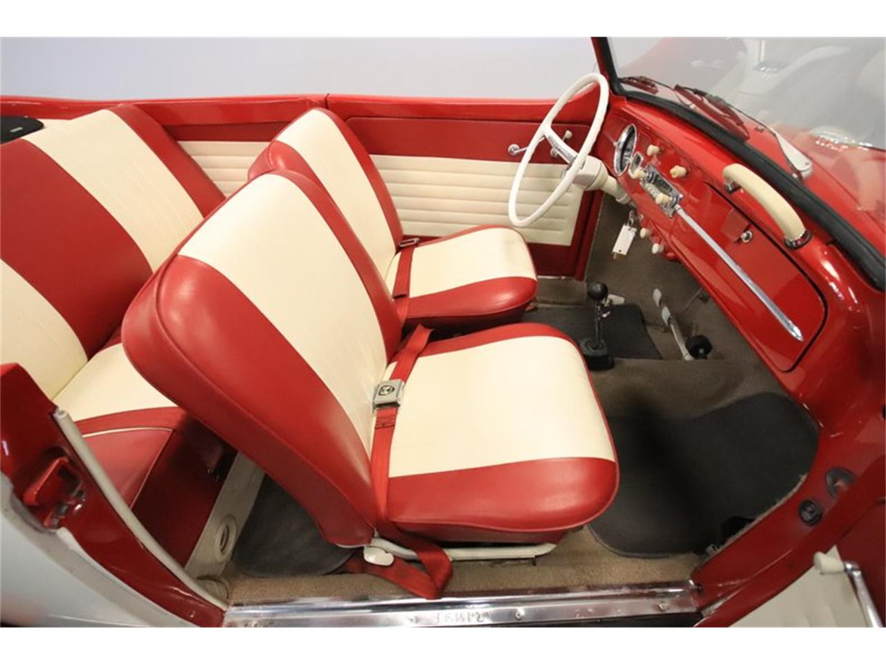 Large Picture of 1965 Volkswagen Beetle - $13,995.00 Offered by Streetside Classics - Phoenix - Q2L7