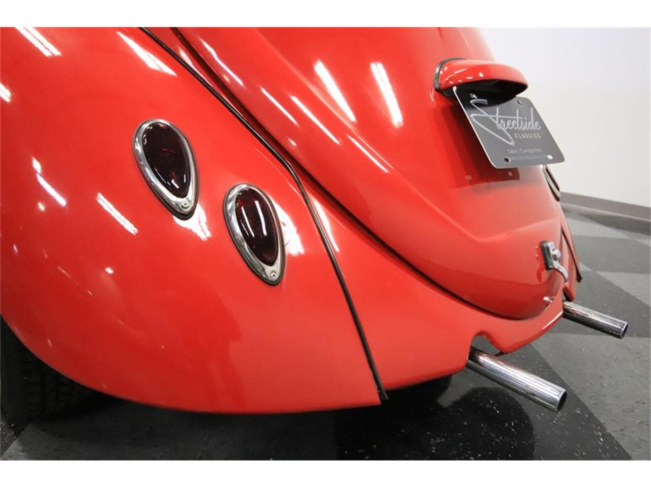 Large Picture of '65 Volkswagen Beetle Offered by Streetside Classics - Phoenix - Q2L7