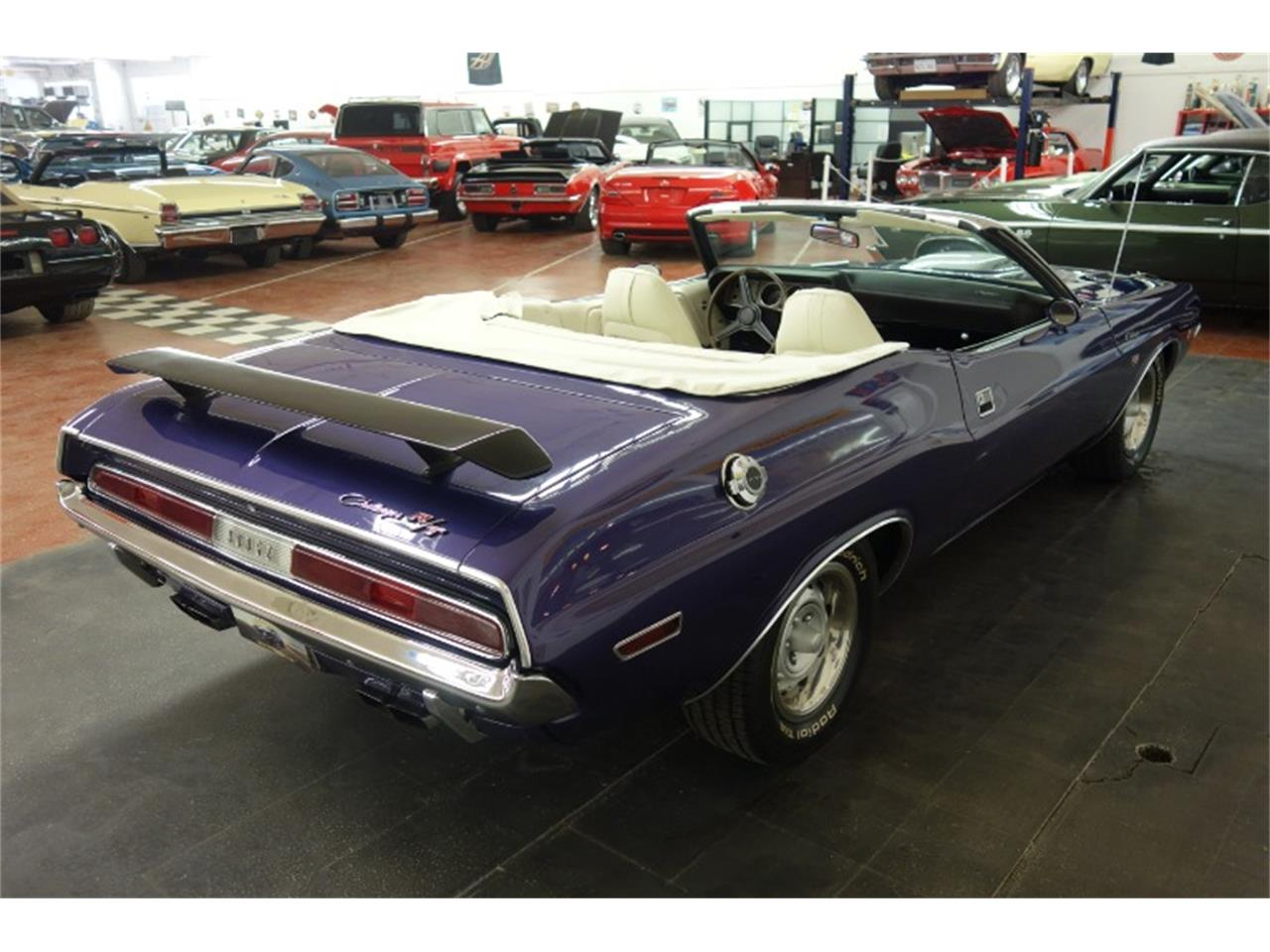 Large Picture of '70 Challenger - Q2LH