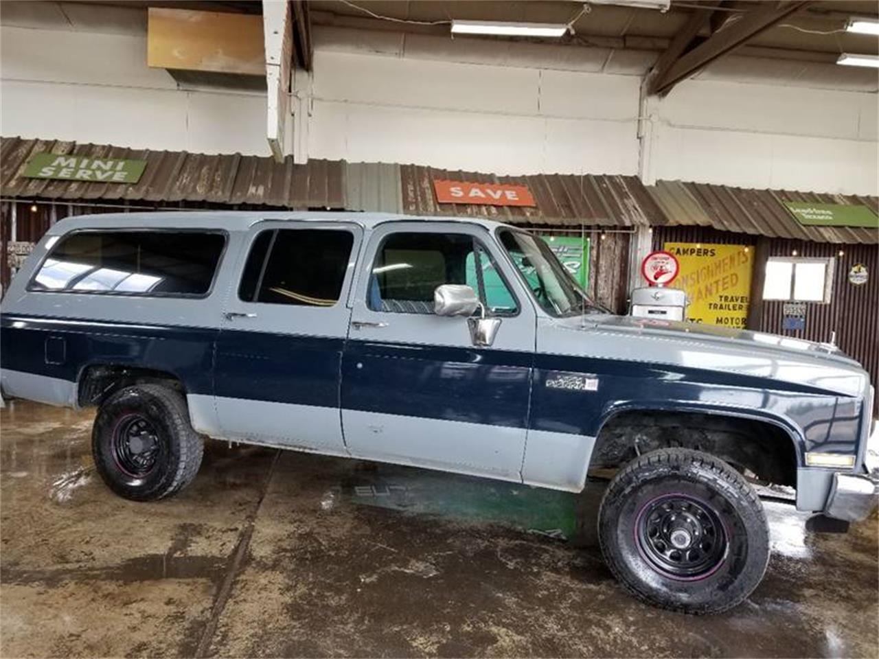 Large Picture of 1988 GMC Suburban located in Oregon - $9,500.00 - Q2MI