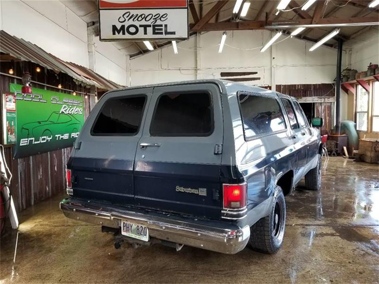 Large Picture of '88 GMC Suburban located in Oregon Offered by Cool Classic Rides LLC - Q2MI