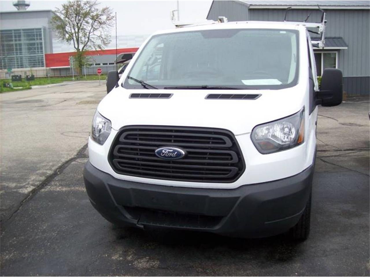 Large Picture of '15 Ford Transit - Q2MU