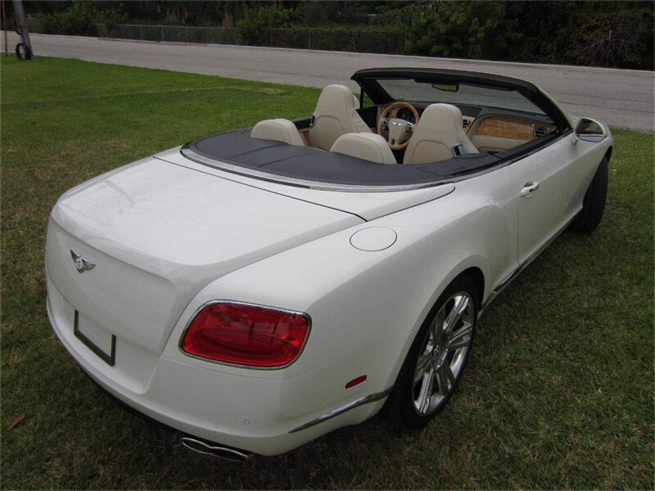 Large Picture of 2013 Bentley Continental GTC V8 located in Florida Offered by Autosport Group - Q2NI