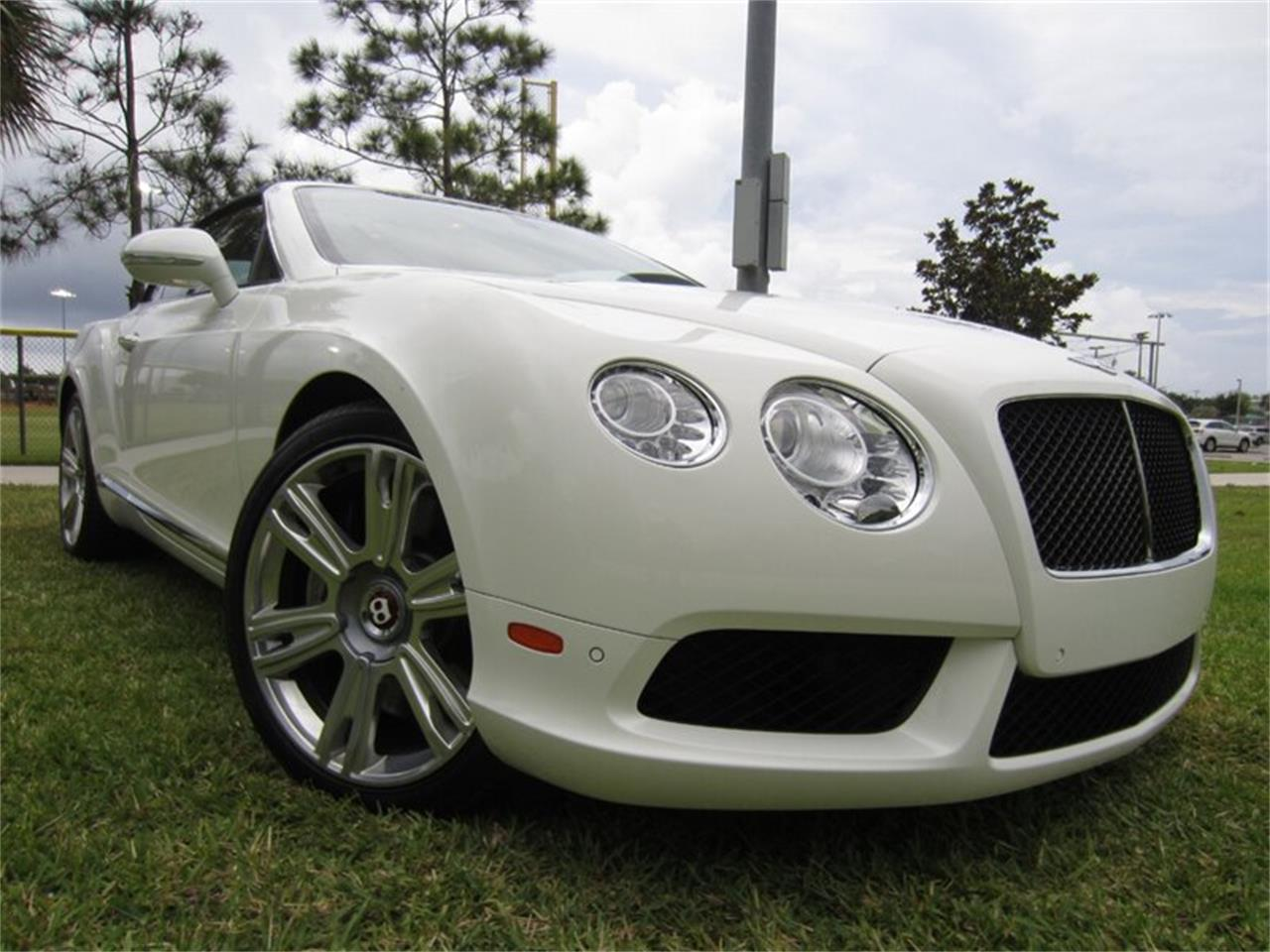 Large Picture of '13 Bentley Continental GTC V8 located in Delray Beach Florida - $102,400.00 - Q2NI