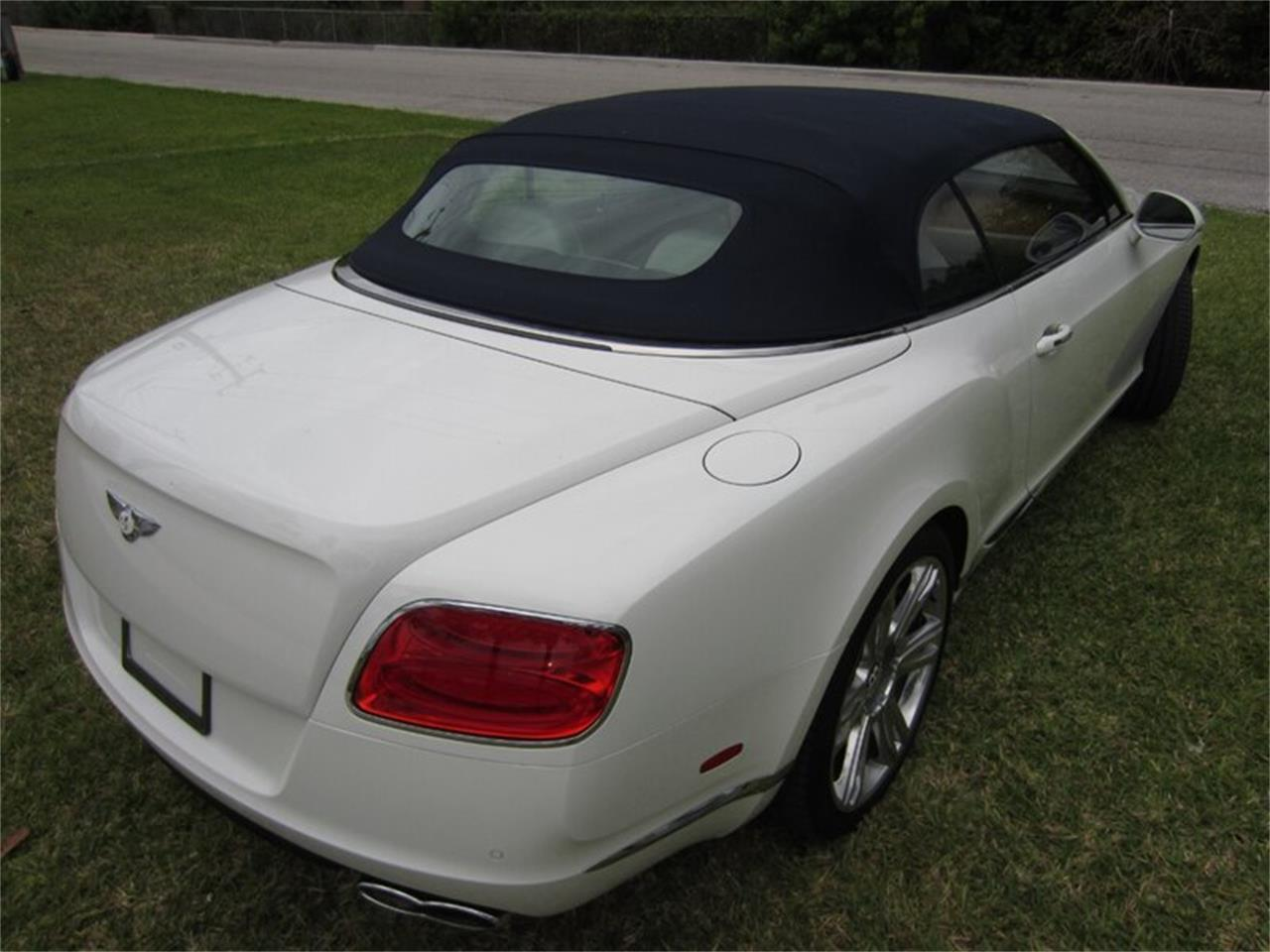 Large Picture of '13 Continental GTC V8 - $102,400.00 - Q2NI