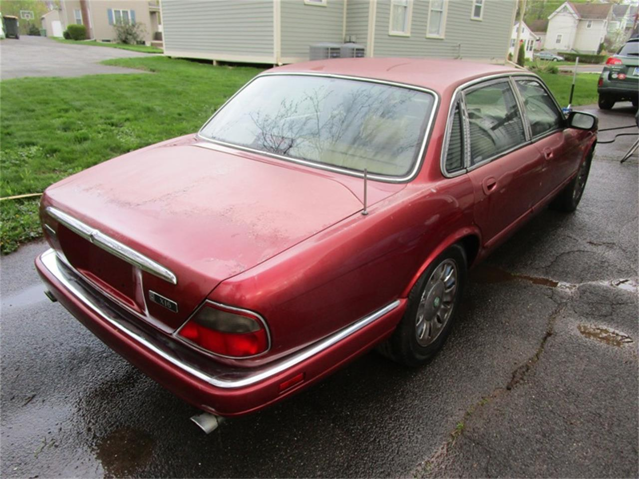 Large Picture of 1995 XJ6 located in New Britain Connecticut - Q2PU