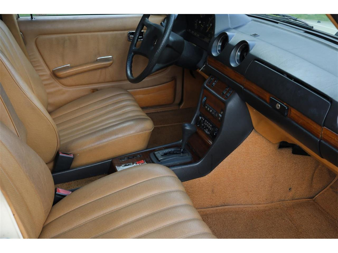 Large Picture of '82 300D - Q2QW