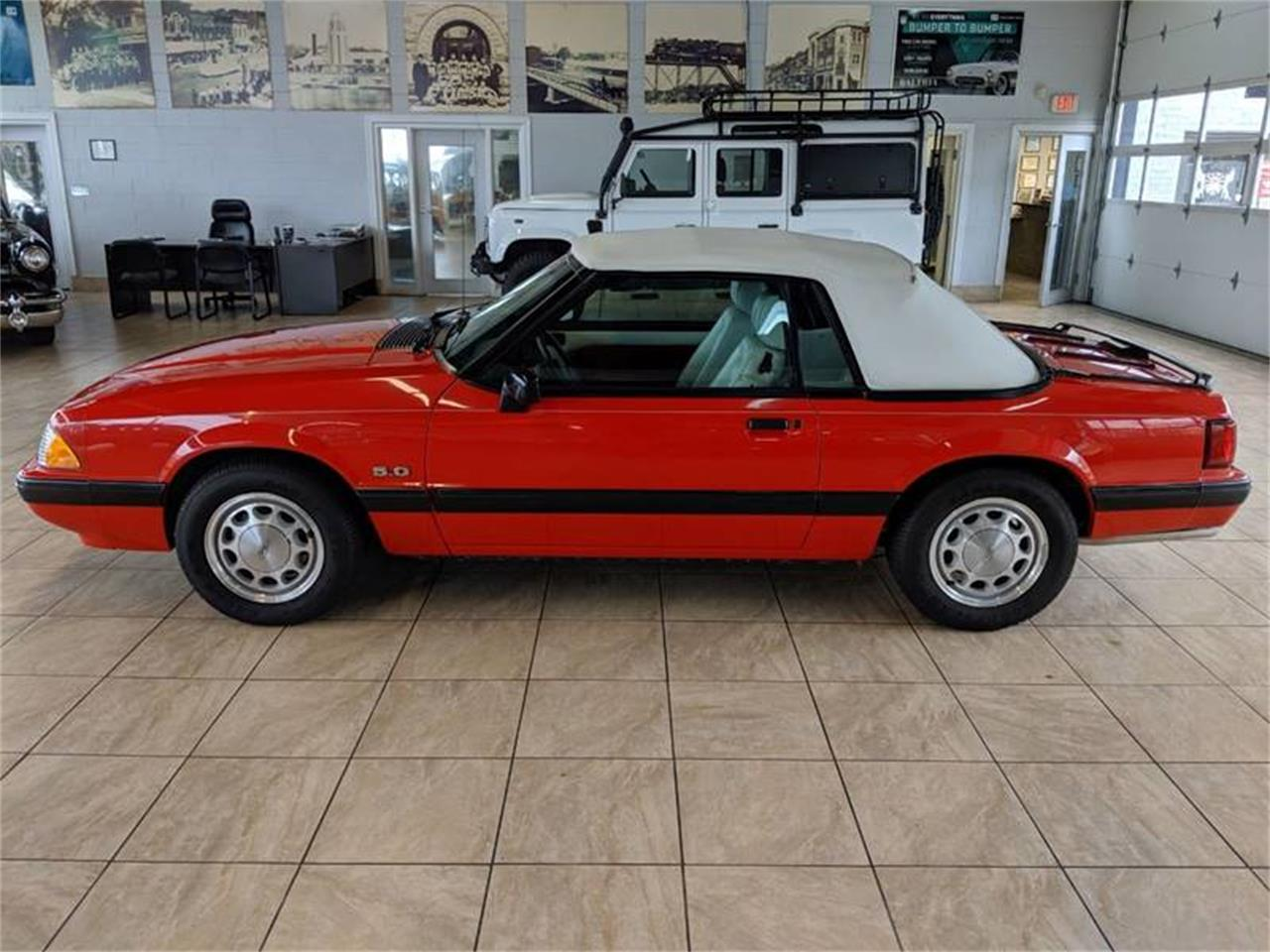 Large Picture of 1989 Ford Mustang Offered by Classics & Custom Auto - Q2R9